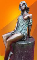 BRONZE STATUE SITTING NOUVEAU GIRL  FIGURINE
